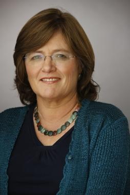 Lucy Jones Headshot - Official